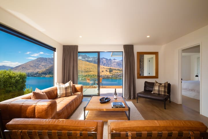 Upstairs Living Space opening onto the sun filled balcony. Enjoy the superb views over Lake Wakatipu and The Remarkables Mountain Ranges