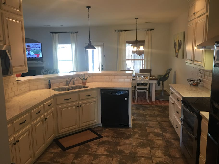 Brand new kitchen with everything you need!
