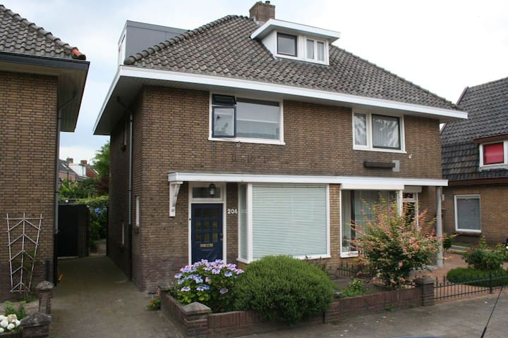 House with garden nearby centre of Hengelo.