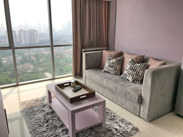 Homey 1BR Apartment in Kemang