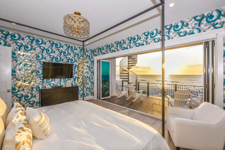 Beachfront luxury 10 bedroom home! Rooftop deck, pool, spa, private beach access