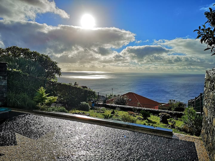 Sea View Retreat, Santa Cruz, Madeira
