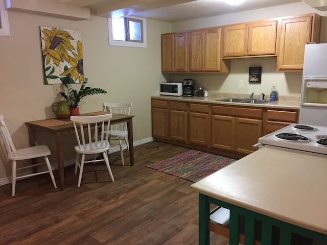 Cozy Private Apartment, Centrally Located - Missoula - Pis