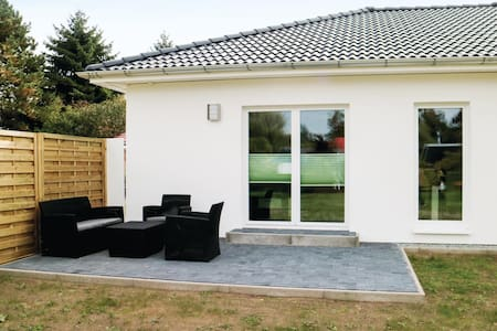 Holiday cottage with 2 bedrooms on 82m² in Rostock-Rövershagen