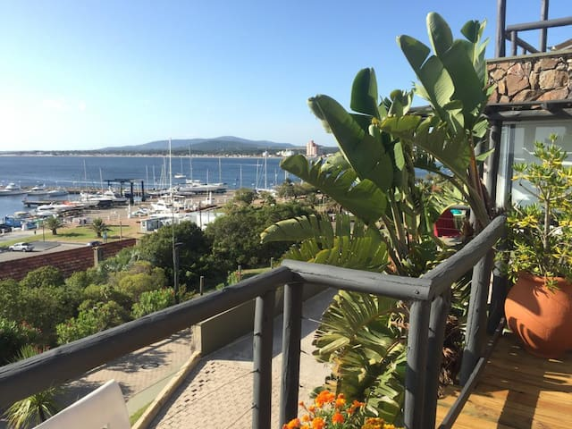 Apartamento con vista al mar sobre el Cerro