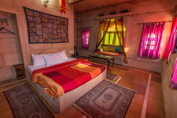 Backpacker Panda Jaisalmer Superior ACPrivate Room - Jaisalmer - Hostel