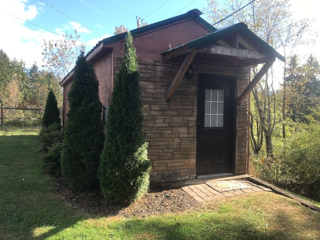 Pisgah Tiny Lodge