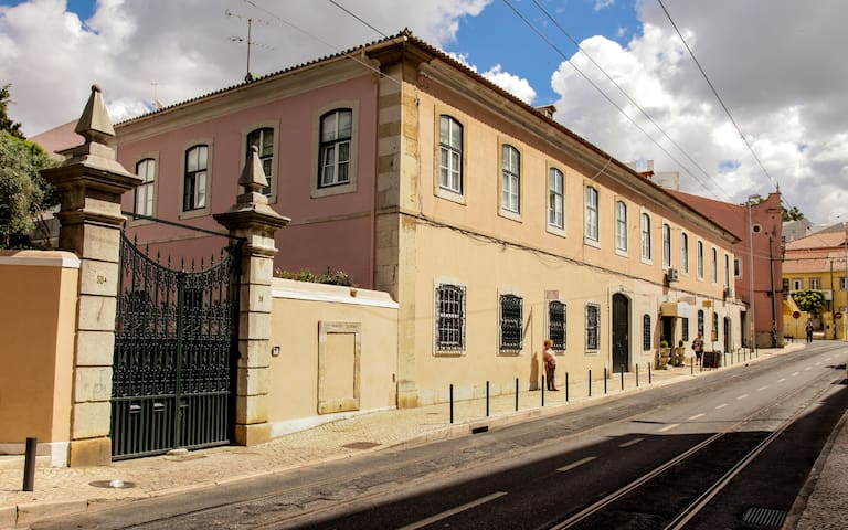 Villa Marquês  Secular House near Tagus river - Cruz Quebrada - Hus