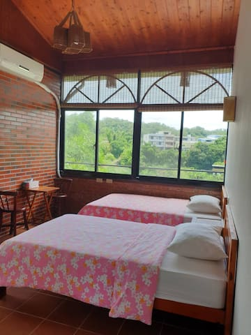 Twin Bed with private bathroom - Beipu old street
