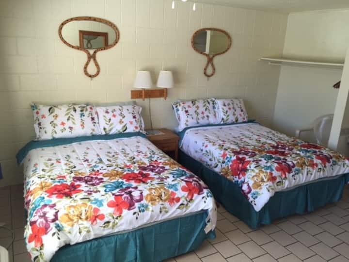 SBI Boutique Beach Motel-PoolSide Garden Apt
