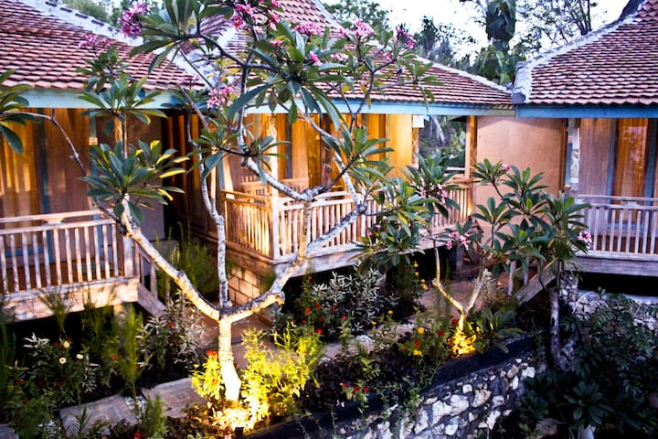 "Golden Hill Cottage Nusa Penida ""sea view"" 5"
