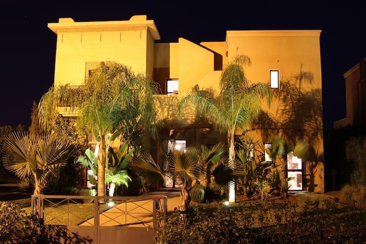 Villa avec piscine sur golf Samanah - Marrakech - Hus