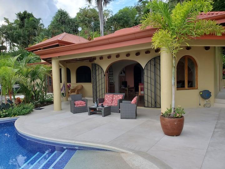 Casa Dos Loco Toucans - an Ocean View Delight