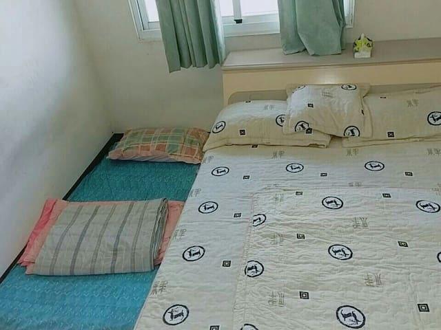 家中空房,無豪華設施,私人空間獨立房源,請翻閱圖片確認房型。需自備牙刷膏,其餘備品基本有備