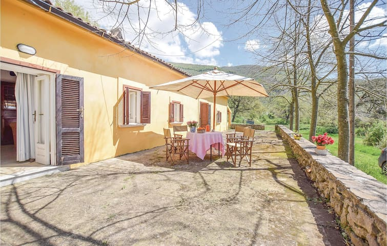 Holiday cottage with 2 bedrooms on 90m² in Ciorlano -CE-