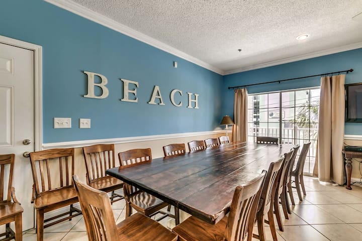 Large 6 Bedroom Condo~Pool Table~12 Beds~Ocean View