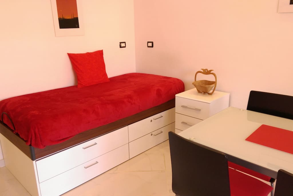 comfortable single bed and inflatable metrass available