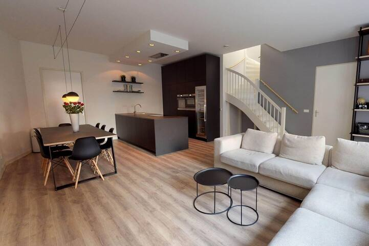 Luxury home near Amsterdam and beach.
