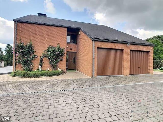 Chambre privée dans villa, propriété privée 1 pers
