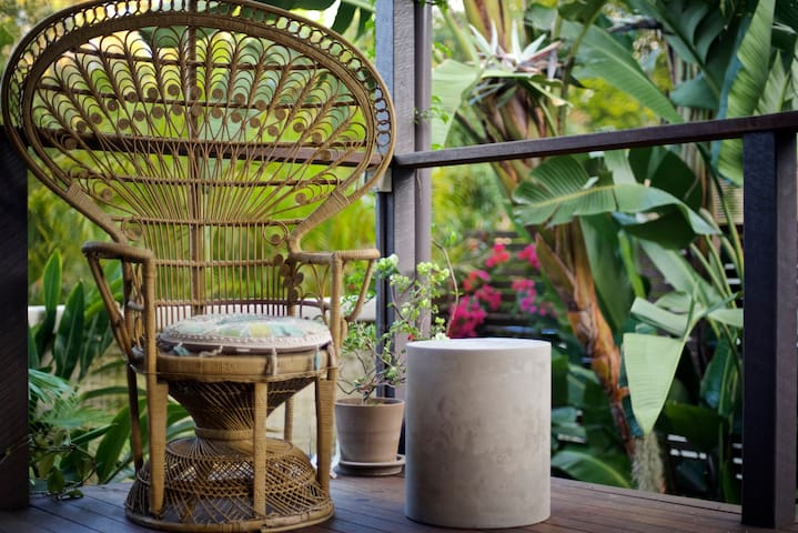 Private Room for 2 with Tropical Garden and Spa - Annerley - 단독주택