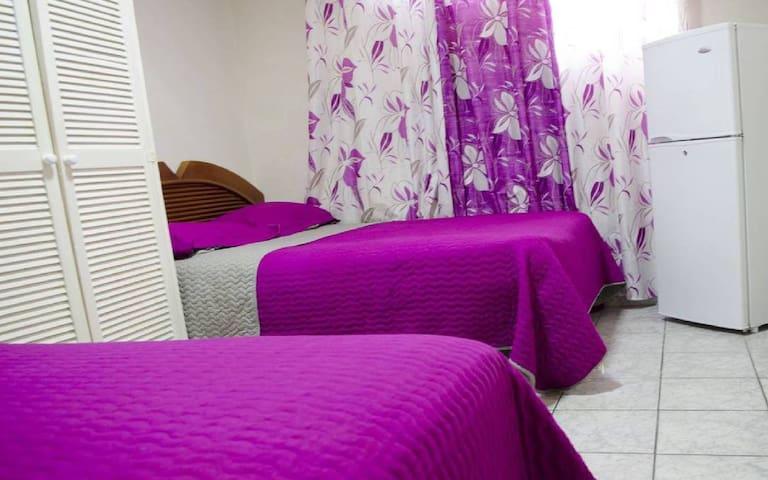Hotel California, Oranjestad - R2DB3