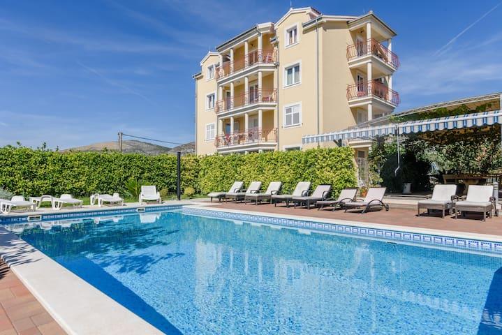 Apartments Mary Trogir #4