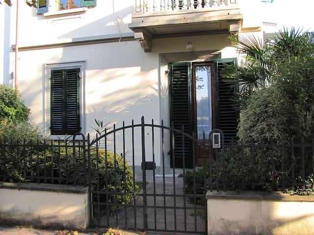 VILLINO ELI - Elegante appartamento - Montecatini Terme - Casa