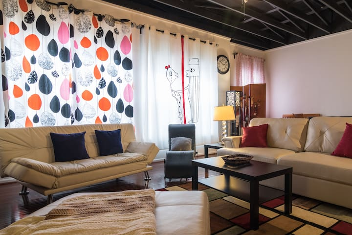 Kick A** Loft in Midtown New Center- 5* SUPERHOST