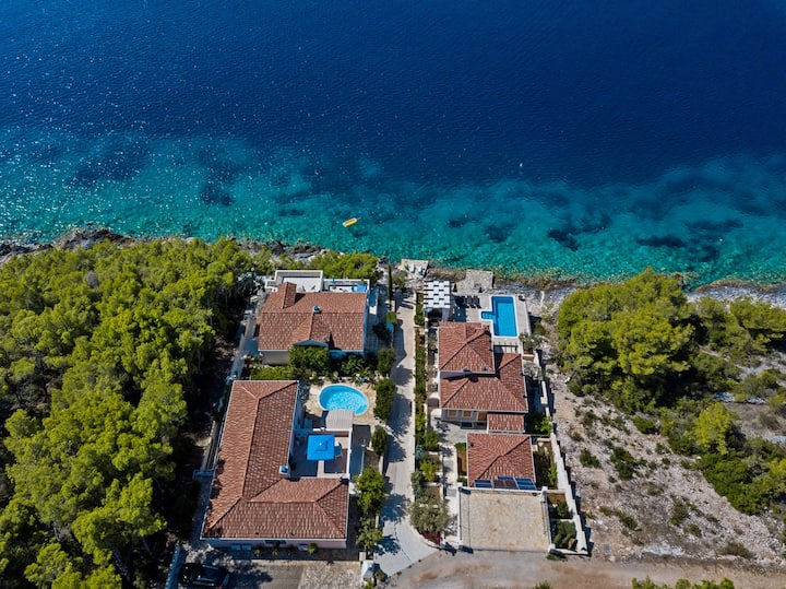 Three Bedroom Villa, beachfront in Vela Luka - island Korcula, Outdoor pool