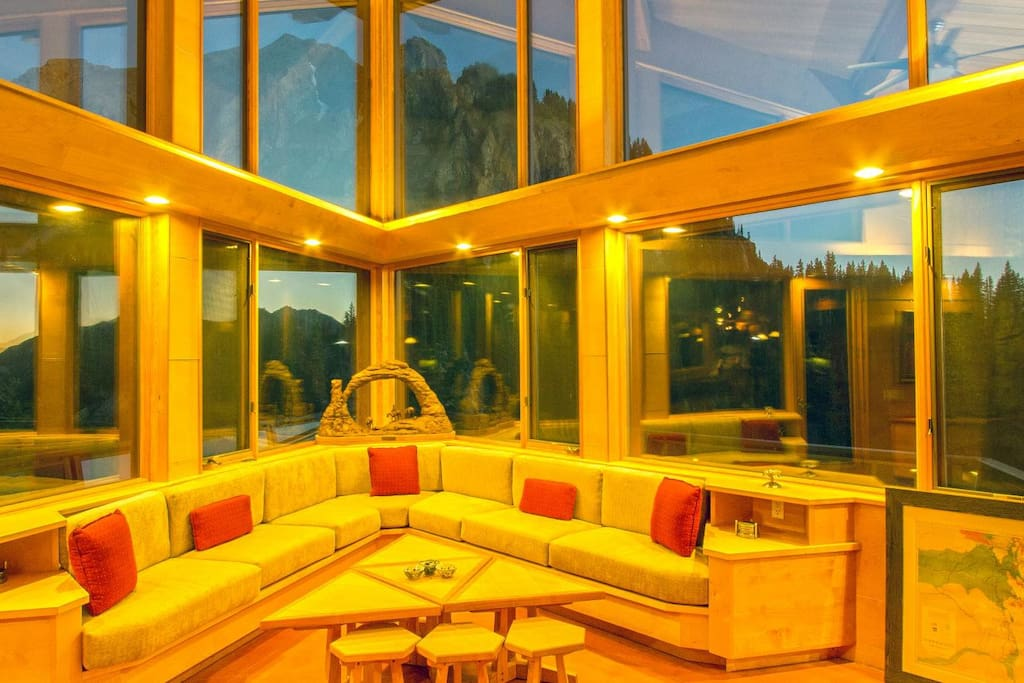 Gold King Retreat, grand room, Telluride
