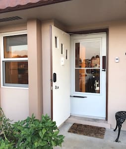 The Weekend Getaway Condo - Palm Beach Oeste - Casa