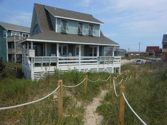 Ocean Front Pet Friendly Family Cottage