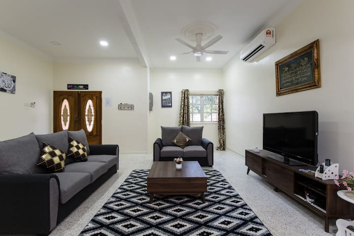 Comfy| Spacious| 2-storey| near KLCC| WIFI 100mbps