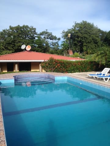 House with the pool in unique place - Nambí de Nicoya - House