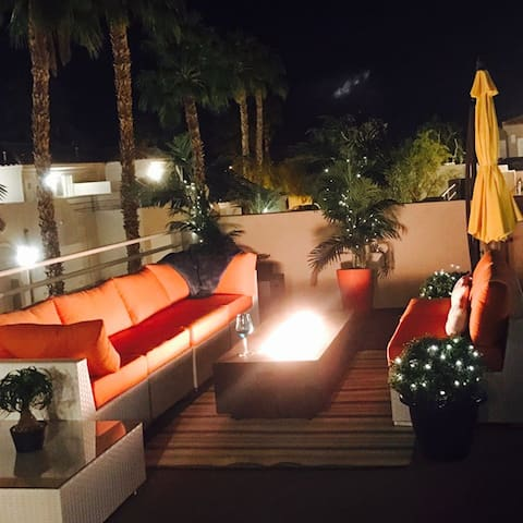 MORDERN SUITE+ ROMANTIC DINNER - Cathedral City - Byt