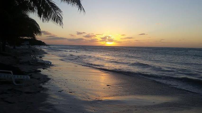 hostal yoslaidy cerca de playa cayo jutias - Santa Lucia - Huis