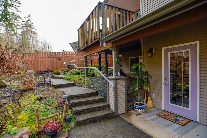 Cumberland Woods Retreat, with modern amenities