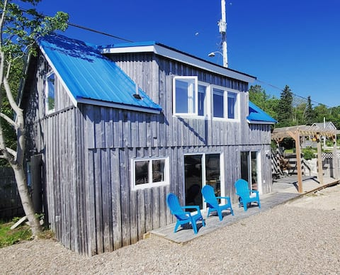 Cully Shanty,  seaside cottage in Mill Cove, NS