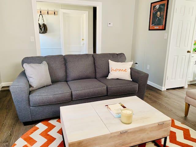 Pete's Lounge