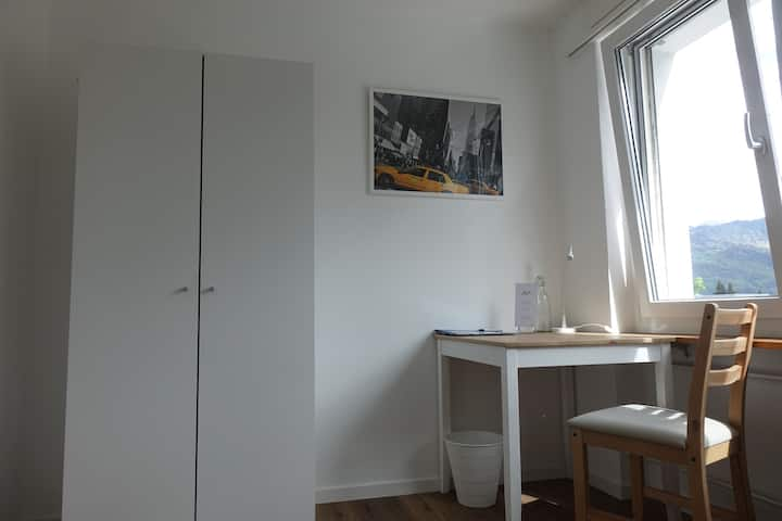 New equipped private room in shared apartment
