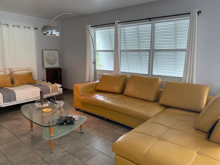 Beautiful Modern apartment in Lake Worth 2/1
