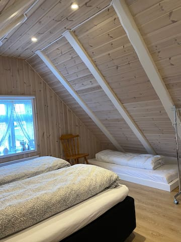 Bedroom 1 : Small bed size 75x190 cm