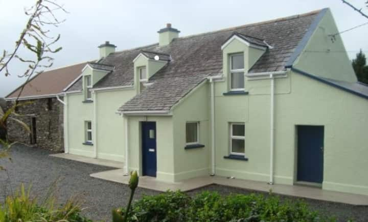 Ring of Kerry Traditional Farmhouse Cahersiveen