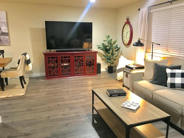 Cozy condo w/ all amenities! 20 min to Mission Rdg