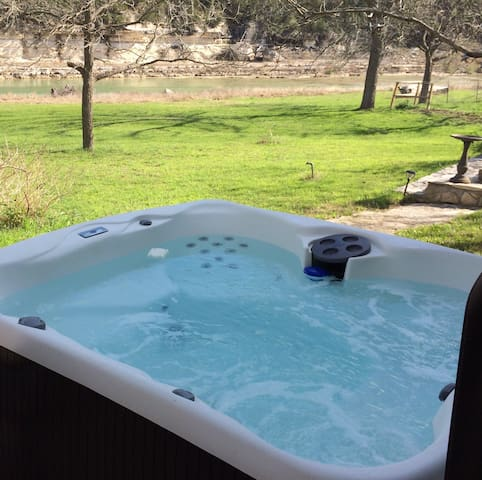 Guest Cottage on the Blanco River - Wimberley - Huis