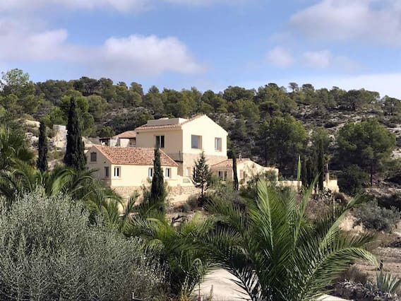 Airbnb Carrer Major Vacation Rentals Places To Stay