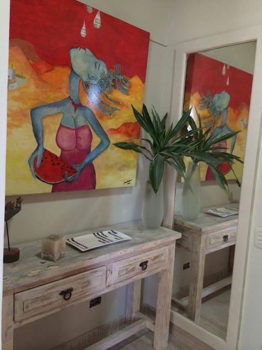 entrance to the apartment /ingreso al apartamento
