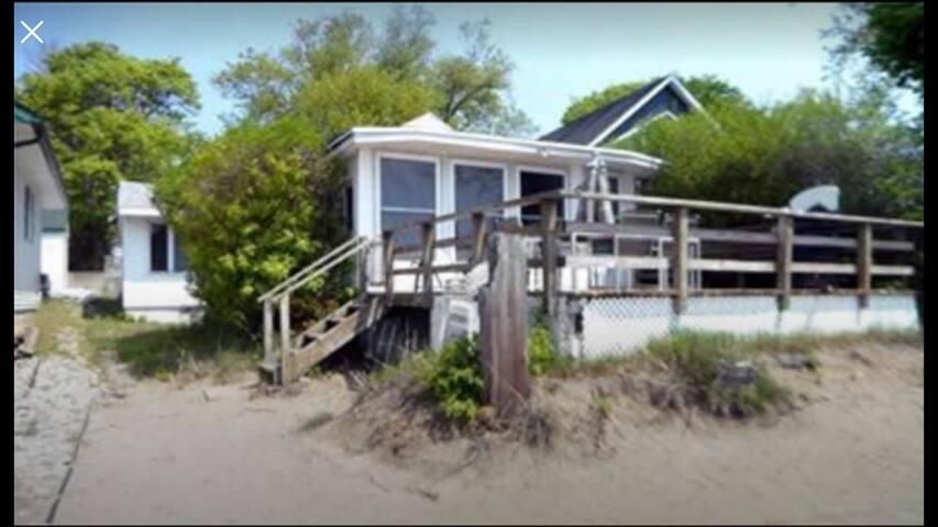 Nautical themed cottage on Lake Erie