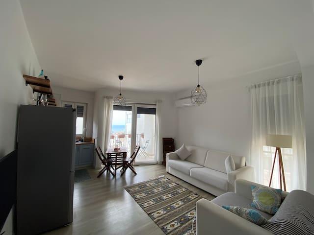 Edera Apartment, White Rocks Village