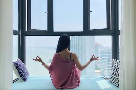 29层一线海景 紧邻老街97平大两居 五星级酒店共享设施 私人沙滩 涠洲岛水上飞机起降点游泳池健身房